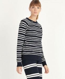 Pijama de mujer a rayas horizontales negras y blancas